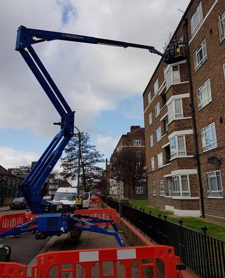 Sitec Crane installing fixed line services